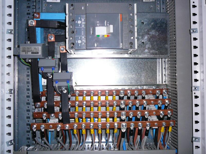 INTERIOR CUADROS CUADRO 800x600 - Distribución y Cuadros B.T.